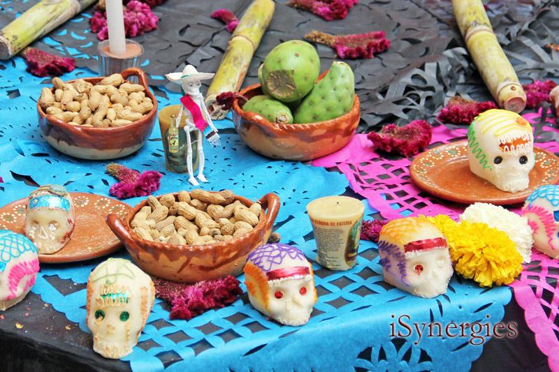 Ofrendas en un altar del Día de los Muertos