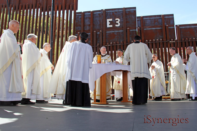 Cardinal Sean O'Malley leads a mass along the border in Nogales, Arizona